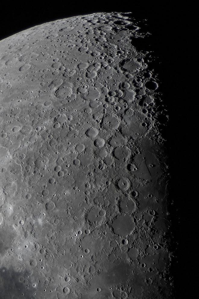 Moon76_1
